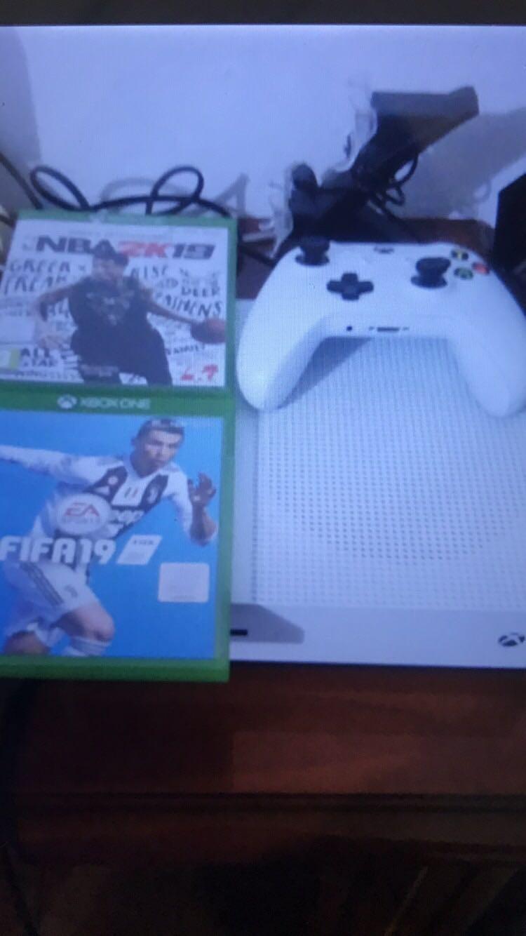 Xbox-one-s-חדש!!!!-עם-2-משחקים - יד 2
