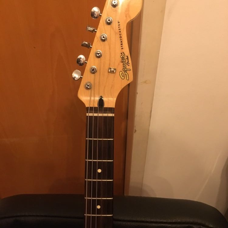 Squier-by-Fender-Vintage-Modified-Stratocaster- - יד 2