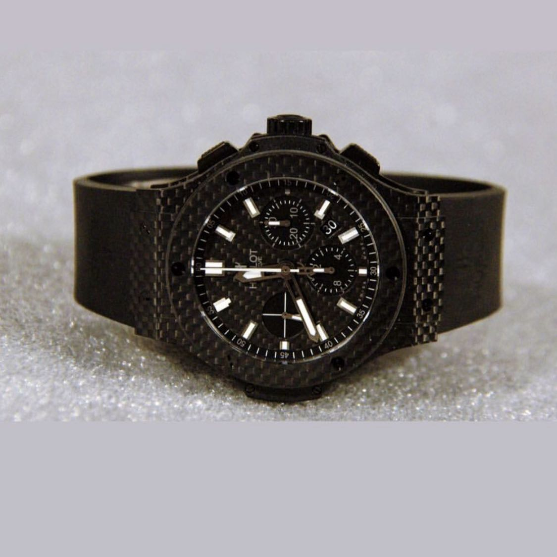 Hublot-Big-Bang-full-Carbon-Swiss-half-price-without-box-papers-just-the-watch - יד 2