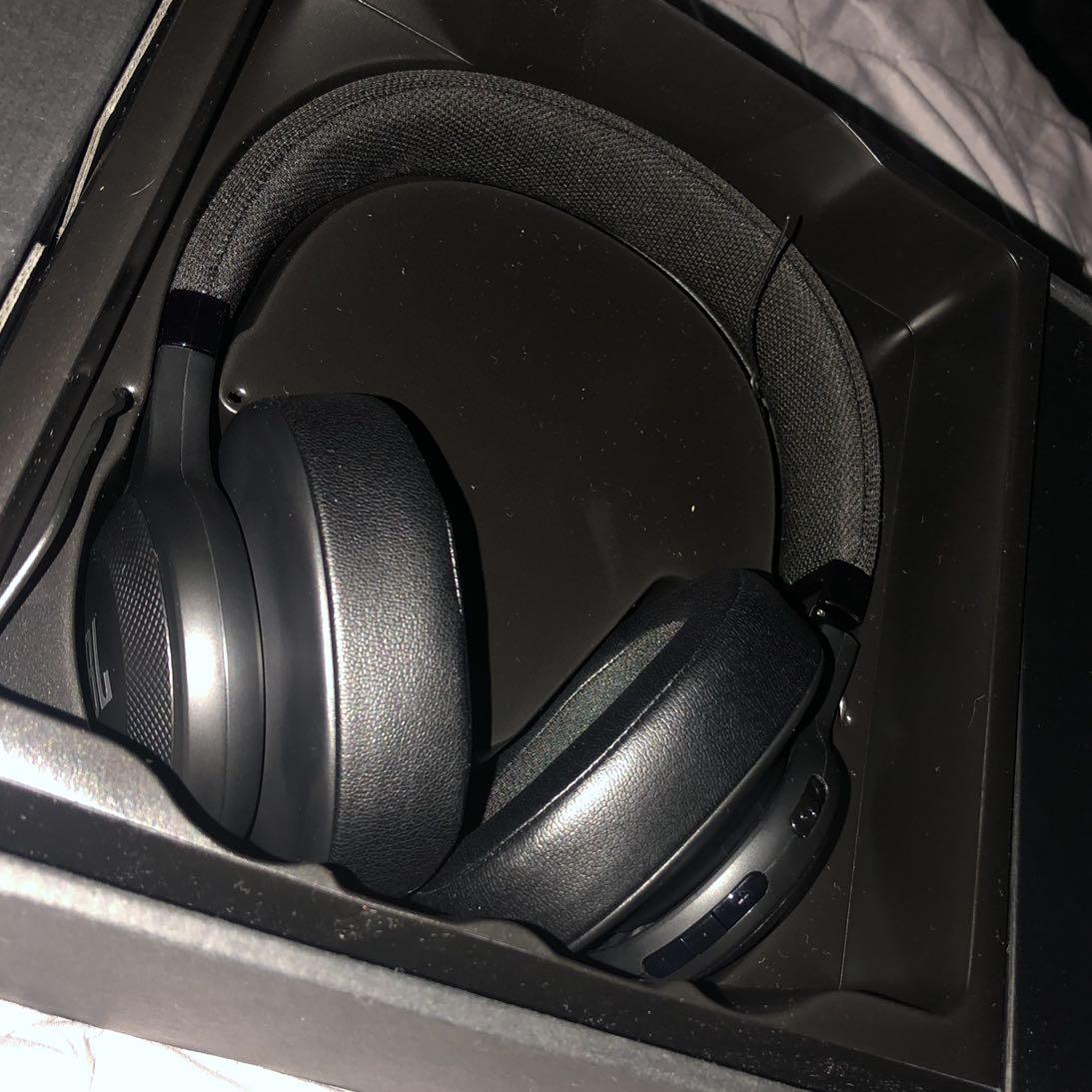 אוזניות-JBl-דגם-e55bt- - יד 2
