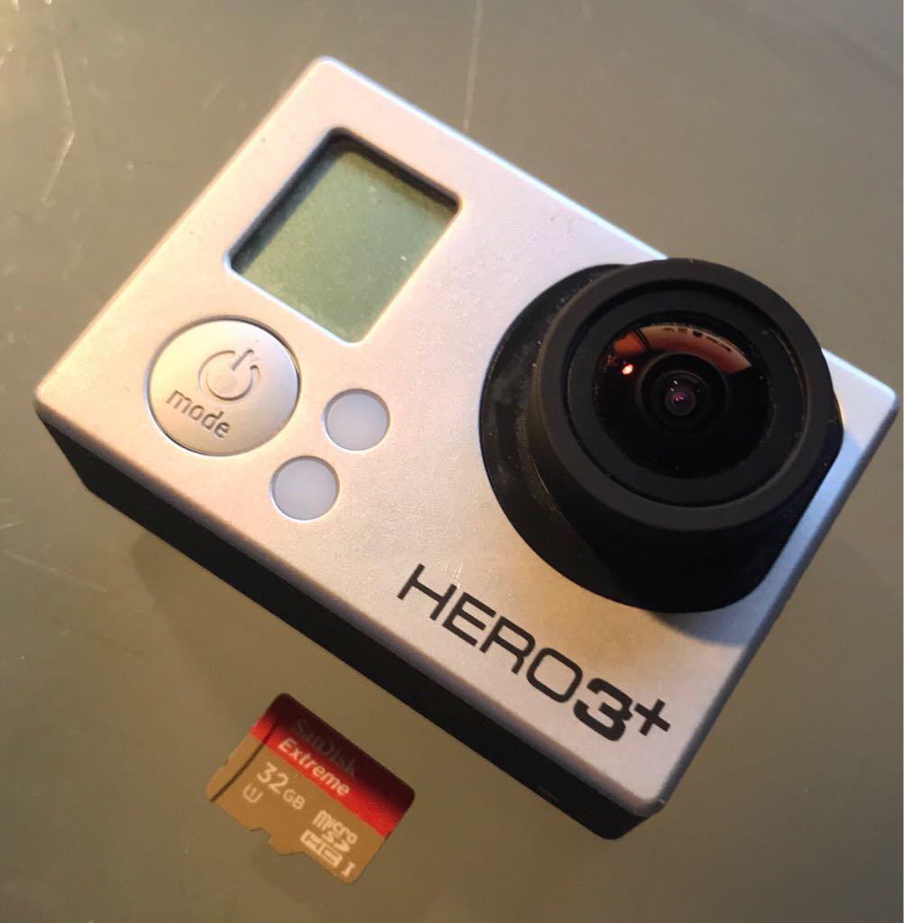 סט-למכירה---גופרו-הירו-3+-בלאק-אדישן-,-גימבל-חדש-של-DJI-+-מקל-סלפי-מקורי-3-שלבים-של-SP-,-כרטיס-זכרון-מהיר-32GB - יד 2