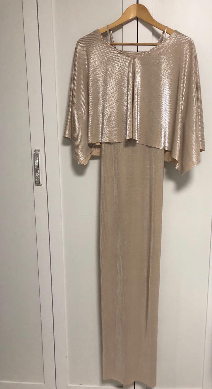 שמלה-של-המעצבת-נטע-אפרתי,-עם-תוספת-עליונית-מאותו-בד.- - יד 2