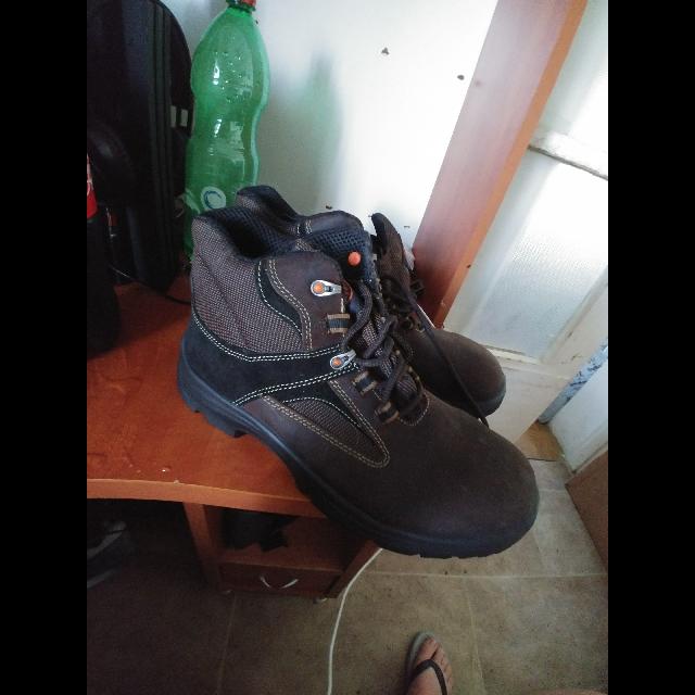 נעלי-עבודה-חדשות-לא-נעשה-שימוש - יד 2