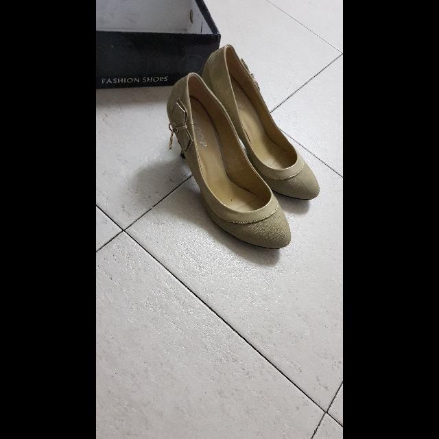 נעליים - יד 2