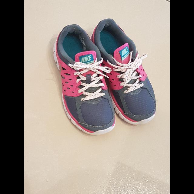 נעלי-NIKE-מידה-38 - יד 2