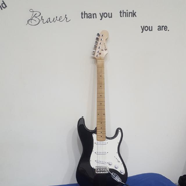 גיטרה-חשמלית(dragon)-כולל-תיק-עם-כבל- - יד 2