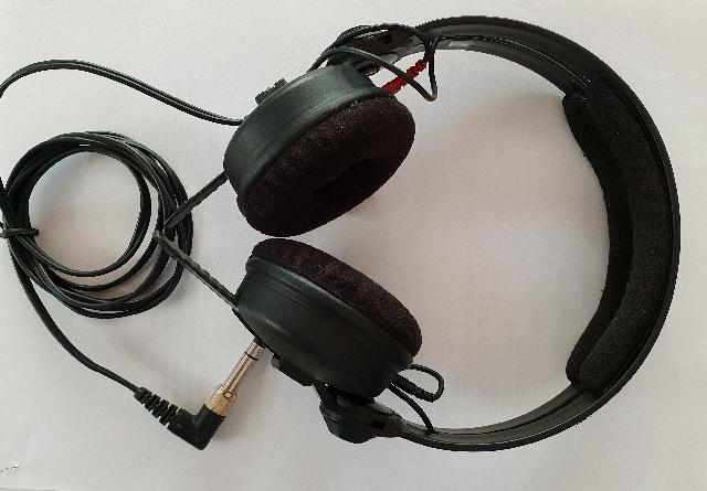 אוזניות-מיקצועיות-במצב-חדש - יד 2