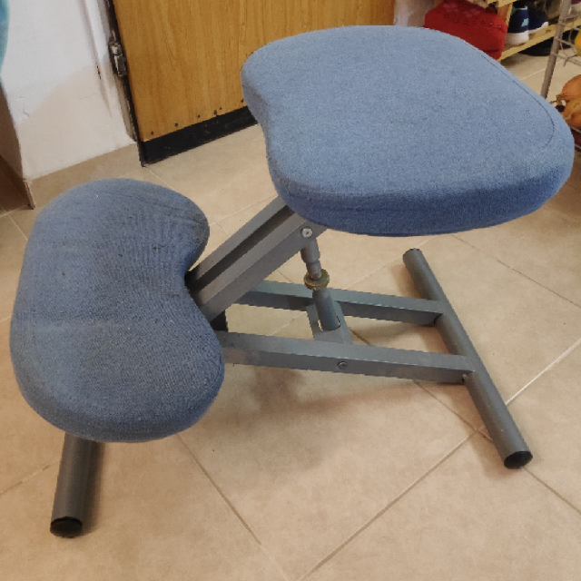 כסא-ברכיים - יד 2