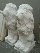 פסל-אריה-מבטון - יד 2