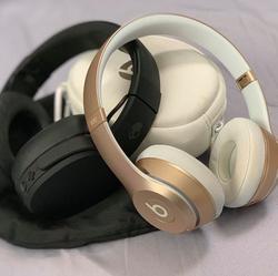 אוזניות-ביטס-סולו-בזהב/אוזניות-skullcandy