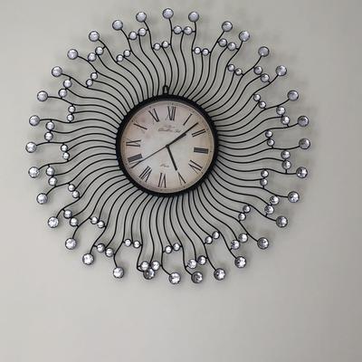 שעון-קיר-מעוצב-כמו-חדש