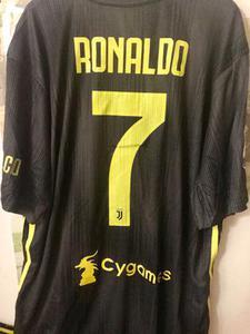 המדים-החדשים-של-יובנטוס-(-אדידס).-שחור/-צהוב-,-המדים-היפים-בהסטוריה-אפשר-סט-מלא-או-רק-חולצת-שחקן-רשמית-- - יד 2