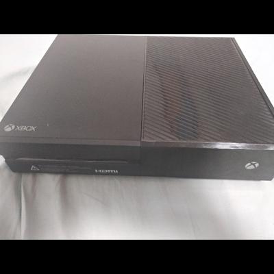 xbox-one-500-gb+שתי-שלטים+משחק - יד 2