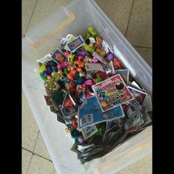 מלא-צעצועים-שאפשר-לשים-אותם-גם--בסליים - יד 2