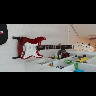 גיטרה-חשמלית-פלוס-מגבר-חדש-לגמרי - יד 2