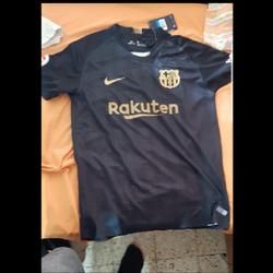 חולצה-של-ברצלונה - יד 2