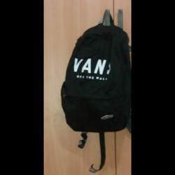 """תיק-גב-""""vans-of-the-wall""""-שחור-קלאסי-מקורי"""