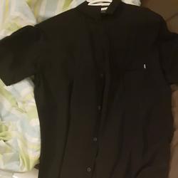 חולצה-קצרה-מכופתרת-מhuf - יד 2