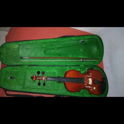 כינור-3/4-כולל-קשת-חדשה,-שרף,-תיק-נשיאה-איכותי-ורמקול-קטן-המותקן-על-הכינור-שמאפשר-לחבר-למגבר - יד 2