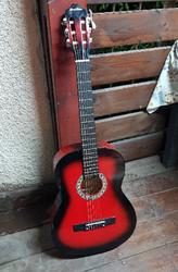 גיטרה-קלאסית-אדומה,-גמיש-במחיר